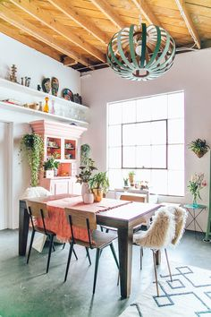 Pops of pink. Modern Boho dining room