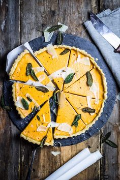 Pumpkin Tarte with Sage - with onion, vegetable broth, cream, and parmesan Vegetarian Lunch, Vegetarian Recipes, Quiches, Delicious Desserts, Yummy Food, Yummy Yummy, Pie Co, Savory Tart, Pumpkin Butter