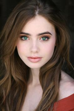 Gavin Blake falls in love with Emily Cooper's green eyes and long auburn hair. Lily collins As Emily Cooper. #Collide / Pulse