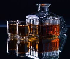 24 lead crystal whiskey decanter