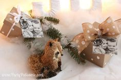 Holiday decorations with racoon and presents #ontheblog