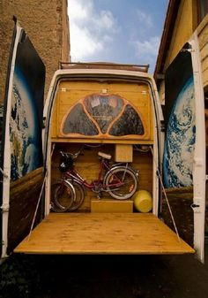 Love the hatch. If we had a garage I would love to do this but make it so you could lay on it!