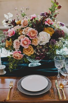Photography: Katie Pritchard | Venue: The 1912 | Floral Design: The Bloom of Time | Furniture Rentals: Circa Rentals | Tabletop Pieces: Target | Acrylic Signage: Little Brownn Suitcase | Ribbon: Silk and Willow