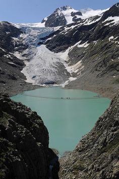 Hans Pfaffen - Trift glacier foot bridge, Gadmen 2004