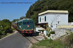 Il treno commemorativo dei 140 anni della ferrovia Maglie-Otranto in arrivo invece quest'ultima località.