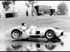 Juan Manuel Fangio (ARG) (Daimler Benz AG), Mercedes-Benz W196 - Mercedes-Benz 2.5 L8 (finished 1st)1955 Argentinian Grand Prix, Autódromo Municipal Ciudad de Buenos Aires