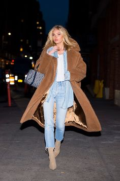 Love Her Outfit: Star Style to Steal - Women Teddy Coat - Ideas of Women Teddy - Elsa Hosk in a denim shirt jeans booties and teddy bear coat click through for more winter outfit ideas Elsa Hosk, Fashion Week, Star Fashion, Look Fashion, Fashion Bloggers, Street Fashion, Fall Fashion, Fashion Beauty, Fashion Trends