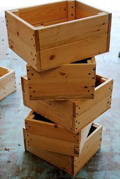 Crates made from pallets - only cost is the drill bits and screws...(just thinking of all the sizes I could make these in and all of the wonderful things I could use them for...)