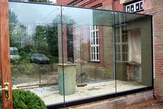 glass corridor between buildings House Extension Design, Glass Extension, House Design, Building Extension, Extension Ideas, Architecture Details, Interior Architecture, Glass Walkway, Glass Structure
