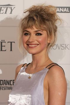imogen-poots-at-moet-british-independent-film-awards-december-2013_6.jpg (JPEG-bild, 800 × 1203 pixlar)