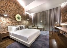 Loke Thye Kee Residences is situated in the heart of Georgetown Penang, one of 5 Malaysian UNESCO world sites rich in heritage. MOD's design draws inspiration from this heritage and specifically the historic Loke Thye. Home Interior, Interior Architecture, Interior Design, Hotel Room Design, Decoration Design, Design Furniture, Architect Design, Design Awards, A Boutique