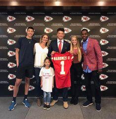 Kansas Missouri, Kansas City Chiefs Football, Kc Football, Bad Candy, Cheerleading Pictures, New England Patriots, Nfl, Champion