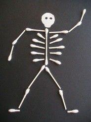 Skelett aus Wattestäbchen