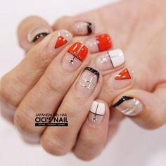Minimal nail art designs | negative space nails | unas | Le manu a espaces vides