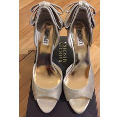 "✨Brand new! Badgley Mischka Metallic Jinx i'Dorsay Gorgeous, classy and perfect for that one formal event, this pair of 3.5"" heels should be in every girl's closet. Never worn. Would be perfect as wedding shoes or graduation shoes! Comes with box :) Badgley Mischka Shoes Heels"