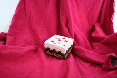 Minecraft Cake Box Made of Perler Beads with by BraveDeity on Etsy, $8,00