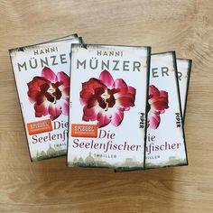 """Neues von Hanni Münzer! 📚 Habt ihr schon """"Die Seelenfischer"""" aus dem @piperverlag entdeckt? Wir haben dazu so einiges auf unserer Website vorbereitet! 👉 www.lovelybooks.de/aktion/die-seelenfischer Seid ihr Hanni-Münzer-Fans?"""