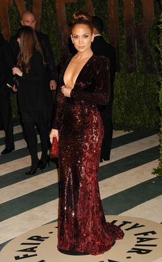 Shrink your URLs and get paid! Jennifer Lopez Body, Jennifer Lopez Photos, Gala Dresses, Satin Dresses, J Lo Fashion, Mode Chic, Fashion Designer, Dress Tutorials, Body Shapes