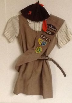 Brownie Uniform Sash Merit Badges Pins Hat Belt Dress Shirt 1980s New York 7.5