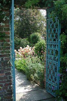 ... Sissinghurst Castle Gardens - Flip - Picasa Webalbums ...