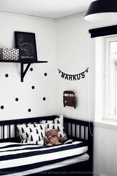 La chambre de Markus en noir et blanc