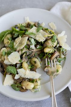 This is my ideal quick and easy weeknight dinner recipe. With its bright, fresh profile, it's one of my favorite gnocchi recipes to date. What makes this dinner (great if you're cooking for two on a date night) stand out is how everything comes together (spoiler alert: fast and SIMPLE!) and how cheap it is.