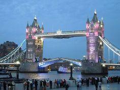 The London Bridge pour la naissance de Charlotte ! Second bébé de Kate et William ...