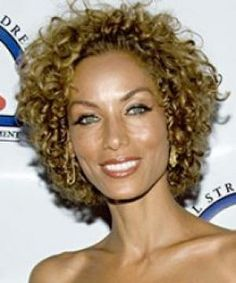 black hair styles pictures   Short naturally curly hairstyles for black women pictures 3