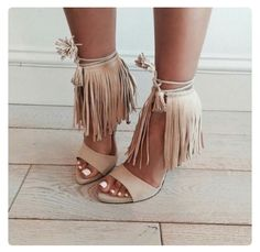 girl fashion outfit style clothes shoes high heels zara