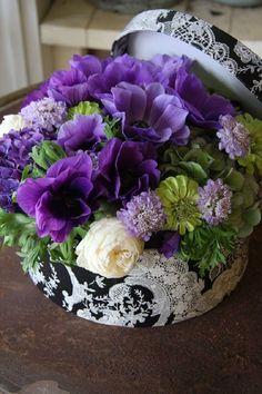 gift box Floral Arrangement ....♥♥