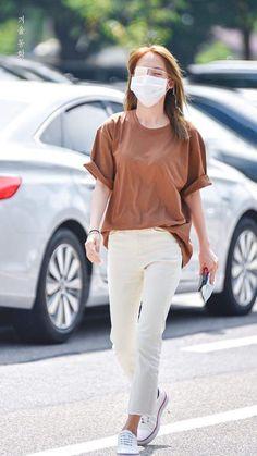 Die street styles von der australia fashion week, resort for 2020 07 ~ Litledress Outfits Fiesta, Kpop Outfits, Casual Outfits, Boyish Girl, Boyish Style, Kpop Fashion, Fashion Pants, Fashion Outfits, Boyish Fashion