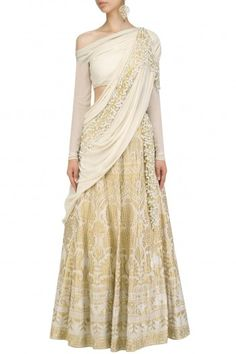 Calico Ecru Pearl and Cutdana Embroidered Saree Lehenga By Gaurav Gupta #ethnic #traditional #pernia #perniaspopupshop #ethnicwear #indianwear #shopnow #gauravgupta