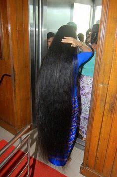 I am thinking of getting it cut Cut My Hair, Your Hair, Super Long Hair, Beautiful Long Hair, Loose Hairstyles, Shoulder Length Hair, Braid Styles, Hair Looks, Hair Lengths