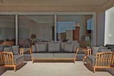 Harmonia total no décor. Veja: http://www.casadevalentina.com.br/projetos/detalhes/harmonia-total-604 #decor #decoracao #interior #design #casa #home #house #idea #ideia #detalhes #details #style #estilo #cozy #aconchego #conforto #harmony #harmonia #casadevalentina #balcony #varanda