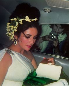 """Elizabeth Taylor-wedding Richard Taylor-love her hair-so pretty"