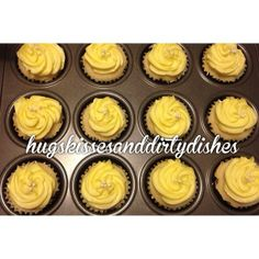 They're just so #pretty!   #cupcakes #minicakes #lemoncurd filling #lemoncréme #frosting #love #baking #sweets #dessert #delicious #...