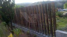 muro em madeira de demolição