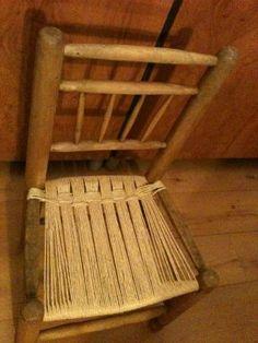 Restauración de asiento de enea de una vieja silla