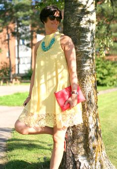 Tall Girl's Fashion // Yellow sundress