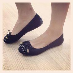 Somos apaixonados por sapatilhas e vocês? Que tal experimentar a sua na Gen. Glicério, 1081 - Araçatuba ou comprar por aqui: http://koqu.in/ZUXtGx #koquini #sapatilhas #euquero #raphaellabooz