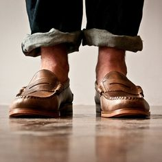 Shoes, no socks
