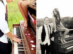 Couple + piano.