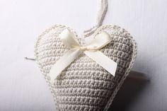 Návod na háčkované vintage srdce 59 Straw Bag, Baby Shoes, Christmas Ornaments, Crochet, Handmade, Bags, Fashion, Granny Squares, Handbags
