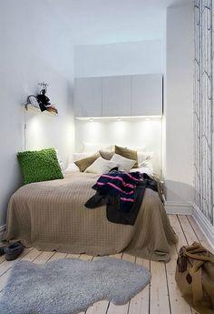 In klein behuisd deel ik tips en ideeën voor kleine woonruimtes. Heb jij een kleine slaapkamer, met weinig of misschien zelfs wel géén ruimte naast je bed? Ook de kleinste slaapkamers kun je mooi inri