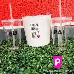 #copopersonalizado #copocomtampaecanudo #copospersonalizados #copoacrilico #aniversario #diadosnamorados #festa #aniversario #netflix #cinema #presentecriativo Team Bride, Gin, Popcorn Bucket, Wedding Favor Crafts, Father's Day, Saying Goodbye, Jeans