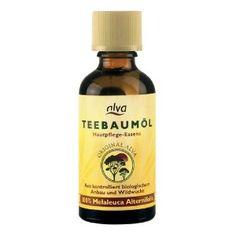 Teebaumöl kann als Hausmittel gegen Nagel- oder Fußpilz helfen.