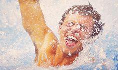 tom daley celebrating after winning bronze in the men's 10m platform diving final :3