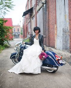 """""""Rocker chic at its best! This gorgeous wedding inspiration shoot was styled by @shaylahawkinsevents. We love the color combos and that cute leather…"""""""
