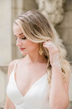 What do you get when you combine a classic color palette with an elegant and historic estate? Say hello to this timeless Styled Shoots Acro. Atlanta Homes, Atlanta Georgia, Bridal Fashion, Bridal Style, Swan, Wedding Colors, Wedding Day, Palette, Elegant