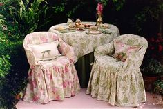 Spring Gard'n Designs - Slipcovers for Resin Chairs